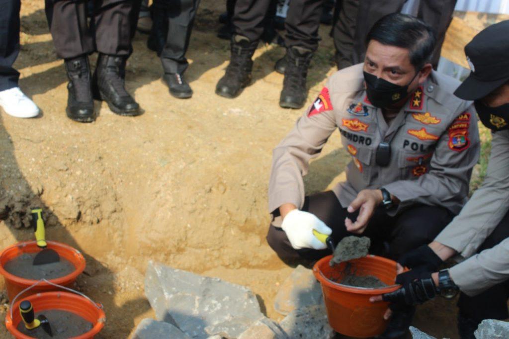 Kapolda Lampung Pol Drs Hendro Sugaitno. M.M, Letakan Batu Pertama Pembangunan Mako Polres Tubaba