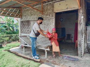 Keluarga Besar PPWI Kota Metro Berbagi di Dua Kecamatan