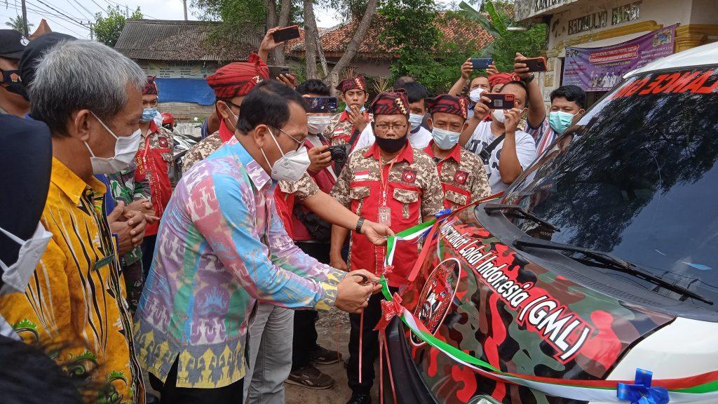 Walikota Metro Resmikan Ambulance GML Peduli